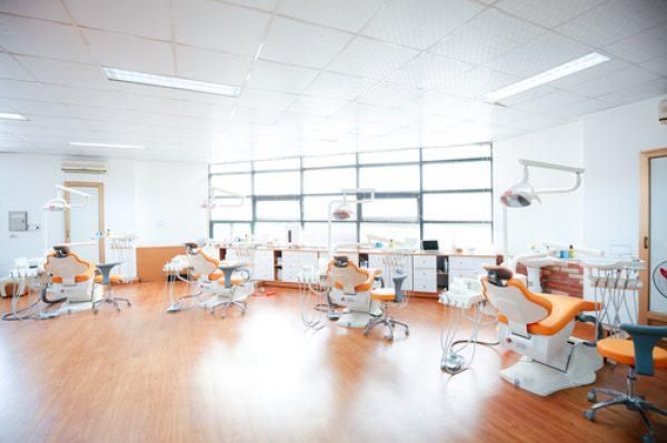 Hệ thống phòng khám được đầu tư trang thiết bị hiện đại, tiên tiến